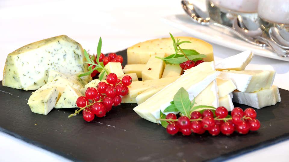 Sandton Hotel Eindhoven Centre - Edit_cheese.jpg