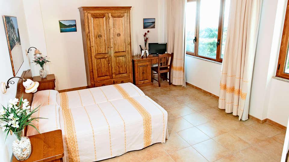 Bellamarina - Edit_Room.jpg