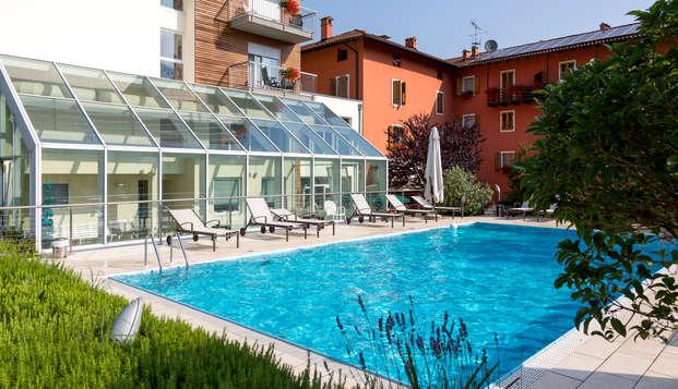 Soggiorno di relax in camera economy con accesso al centro benessere a Riva del Garda