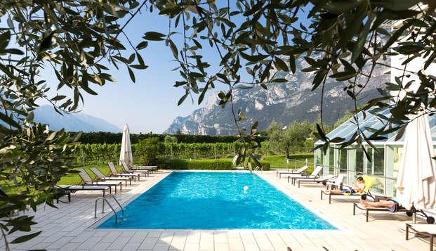 Soggiorno romantico a Riva del Garda con aperitivo regionale ed accesso alla SPA