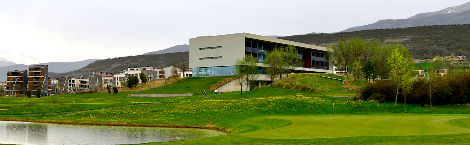 Exe Las Margas Golf - EDIT_NEW_Front3.jpg
