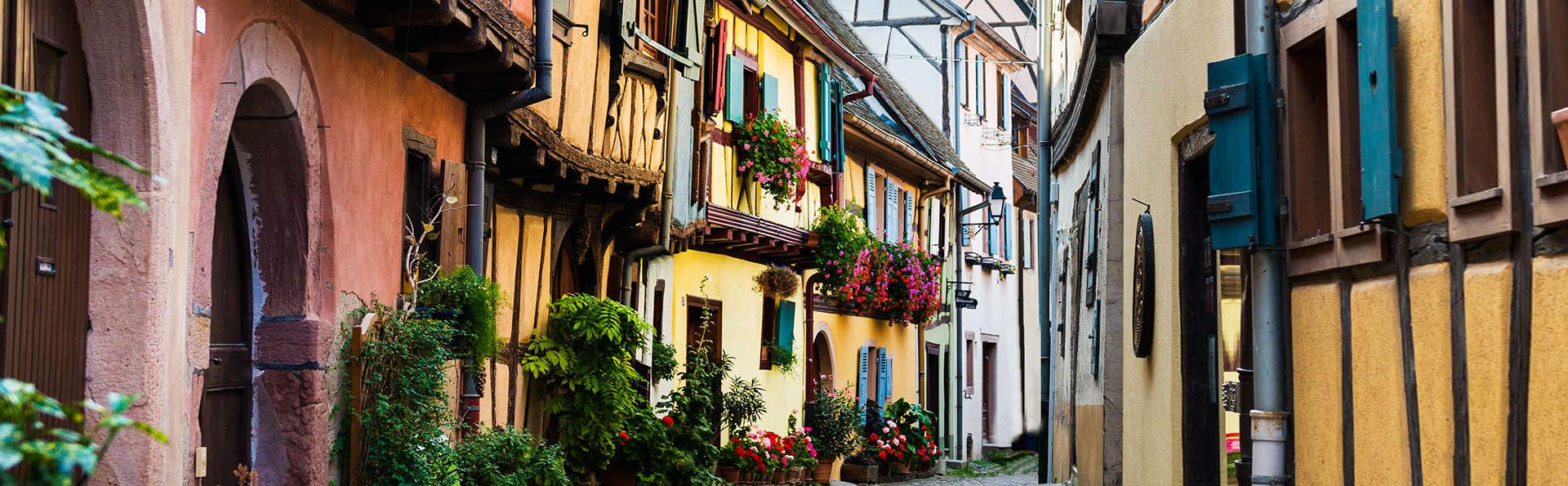 Dépaysement total et charme dans un village médiéval en Alsace