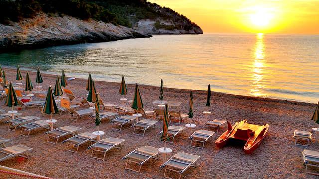 Relax in peensione completa a due passi dal mare