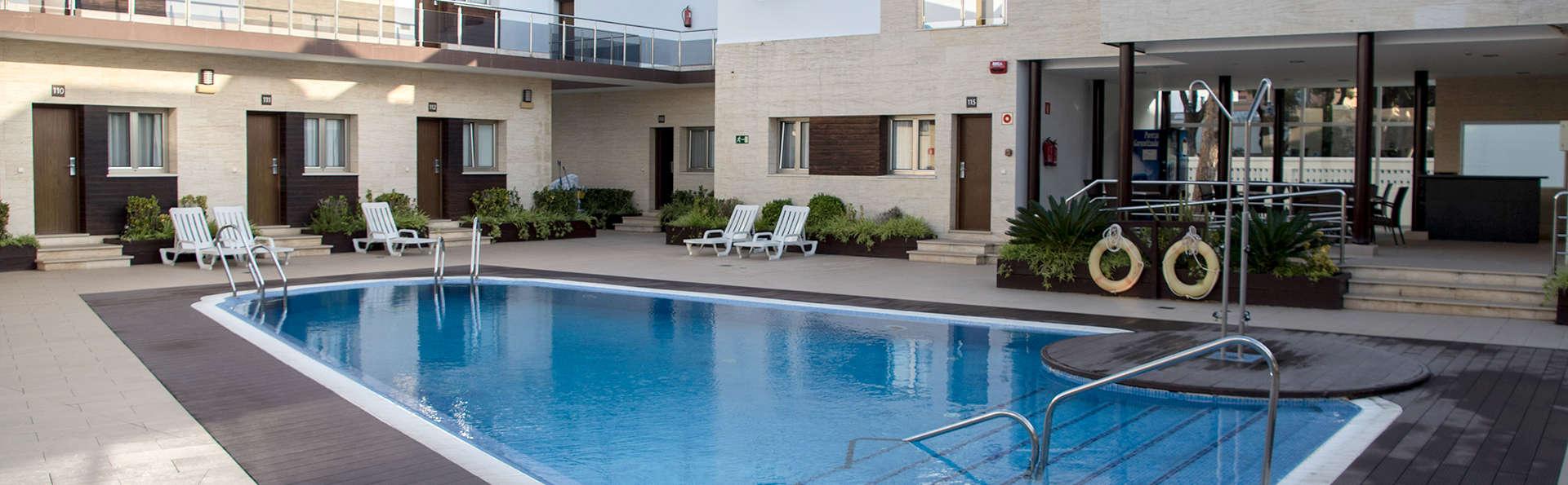 Aparthotel Novo Sancti Petri (inactif) - Edit_Pool.jpg