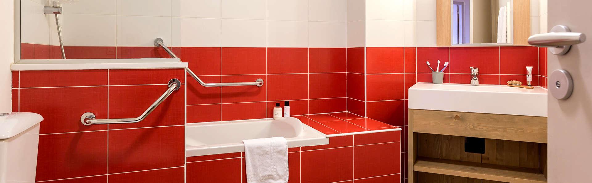 Pierre et Vacances Les Gémeaux - Edit_Bathroom5.jpg