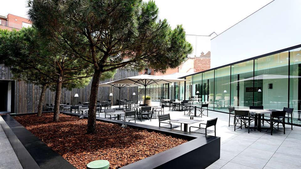 Parkhotel Kortrijk - Edit_terrace.jpg