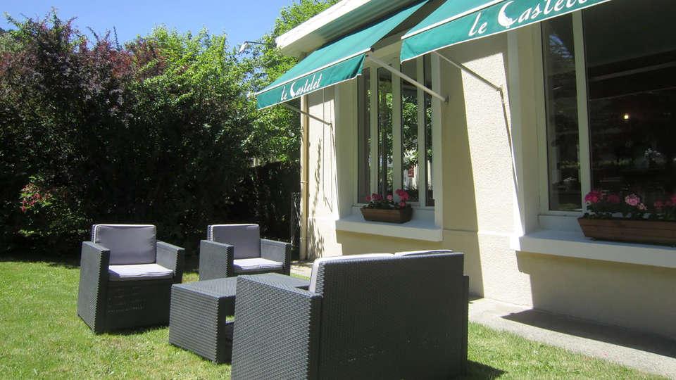 Hôtel Le Castelet - Edit_Terrace.jpg