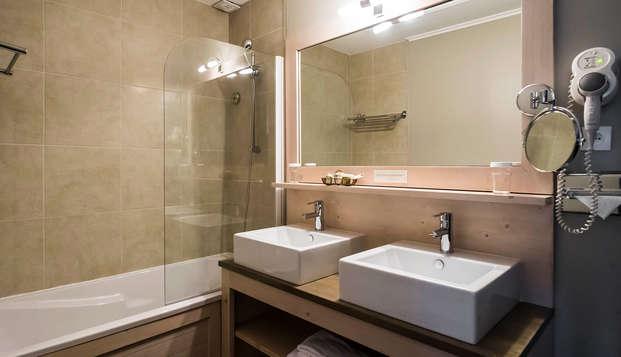Hotel de la Maree - Ile de Re - NEW BathroomFamily