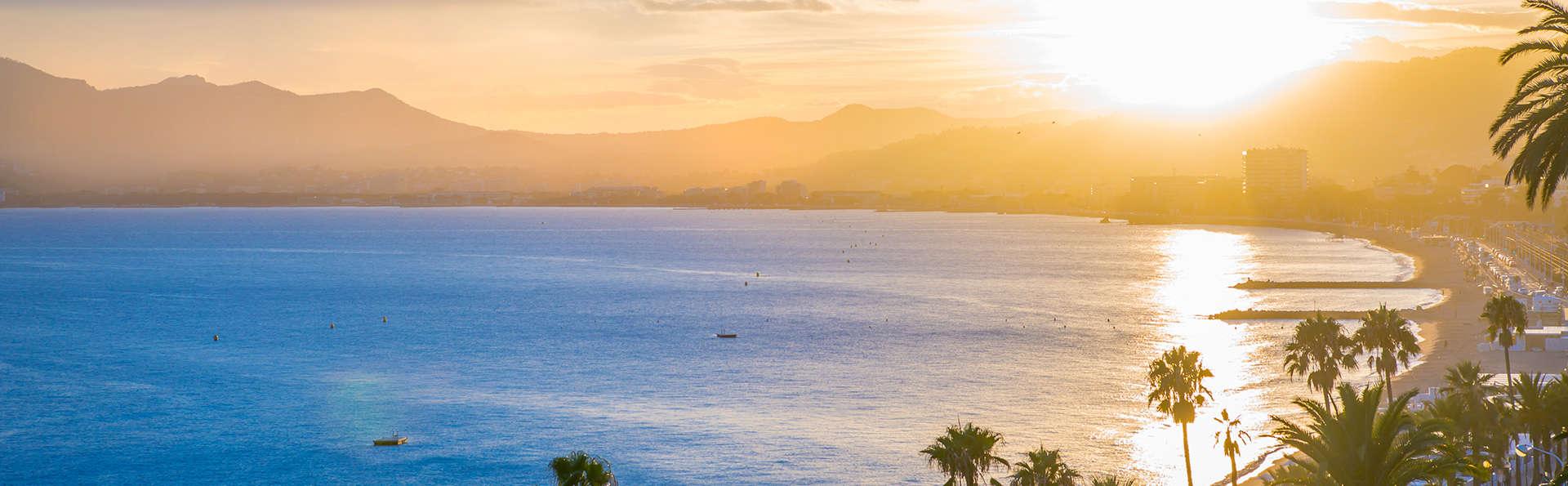 Entre terre, mer et luxe dans un studio au cœur de Cannes