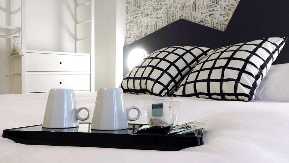 Hotel Urdanibia Park - Edit_Room4.jpg