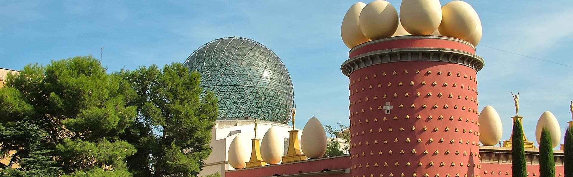 Escapada Mini-vacaciones a Barcelona e incluida una excursión a Girona y Figueres (desde 3 noches)