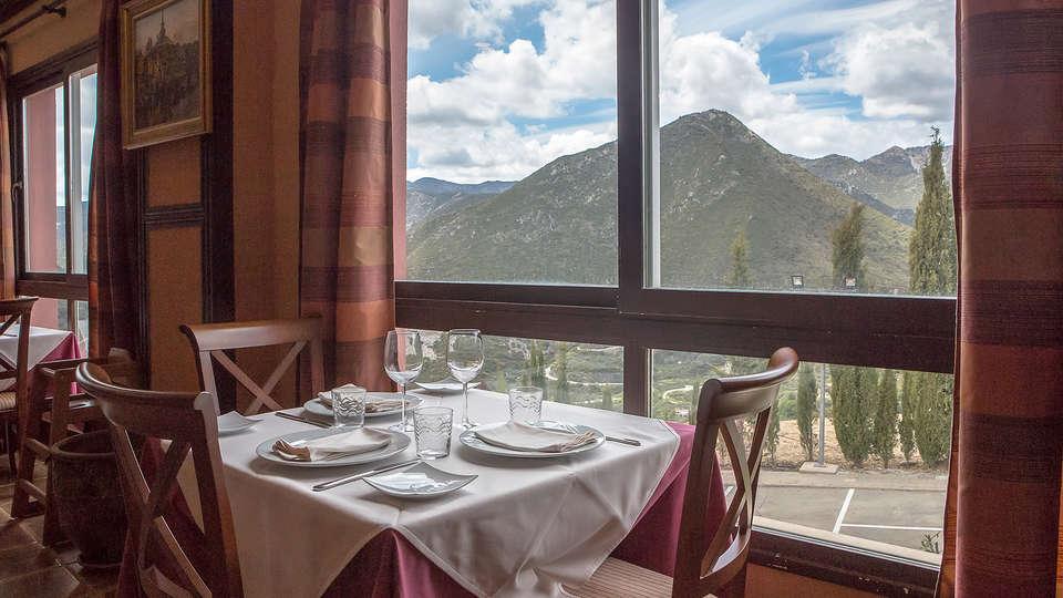 Hotel & Spa Marbella Hills - Edit_Restaurant4.jpg