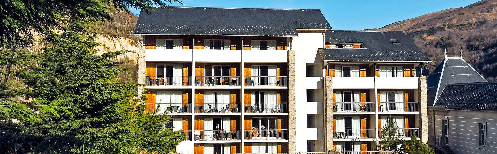 Pierre et Vacances Les Trois Domaines - Edit_Front.jpg