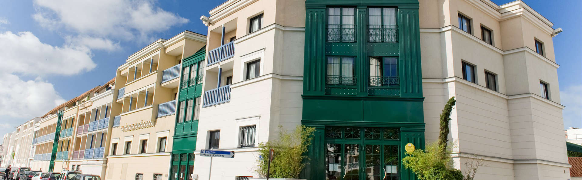 Pierre et Vacances Résidence Centre - Edit_Front2.jpg