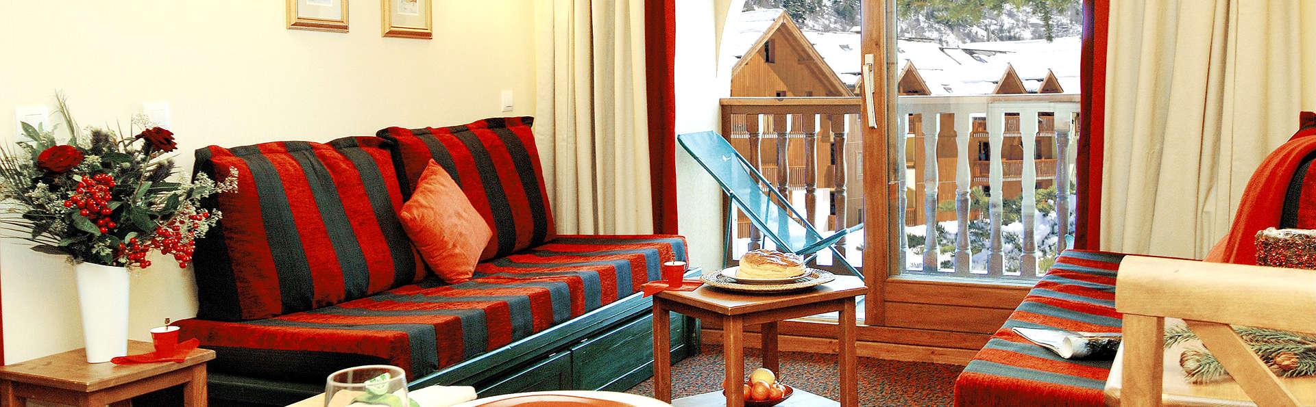 Pierre et Vacances Résidence L'Alpaga - Edit_Apartment2.jpg