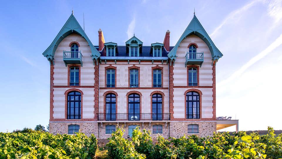Château de Sacy - Edit_Front.jpg