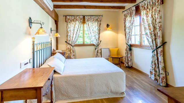 Profitez d'une déconnexion bien méritée dans cet hôtel rural moderne au cœur de la Sierra de Madrid.