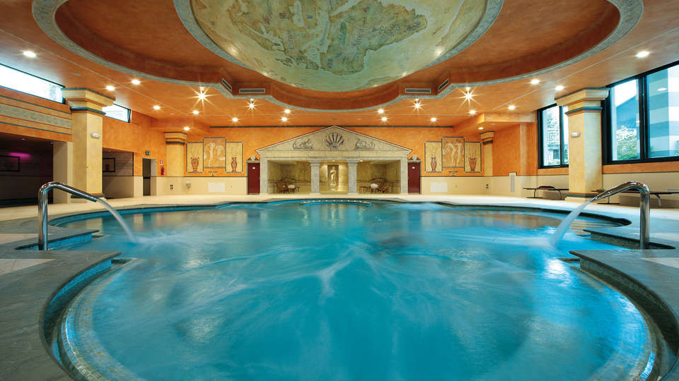 Villa Quaranta Tommasi Wine Hotel & Spa - Edit_Therme.jpg