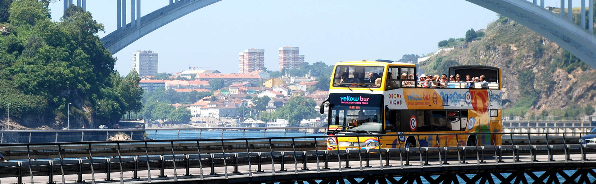 Escapada con tour en autobús panorámico por la encantadora ciudad de Oporto