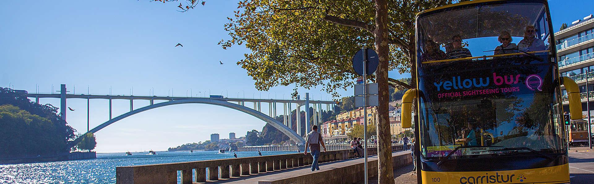 Escapade avec dégustation de vin et tour en bus panoramique à travers la belle ville de Porto