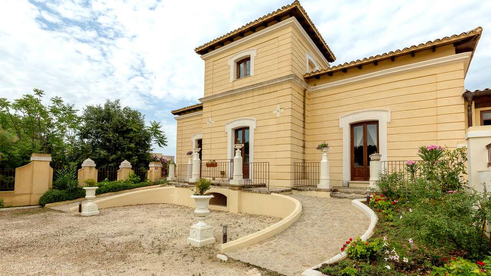 Hotel Villa Calandrino - Edit_Front2.jpg