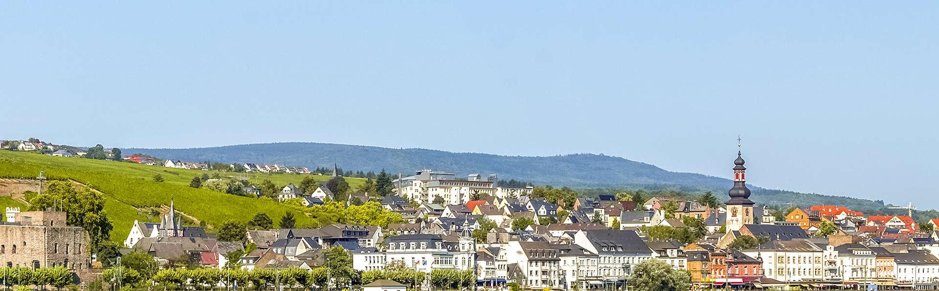 Breuer's Rüdesheimer Schloss - Edit_Rudesheim-am-Rhein.jpg