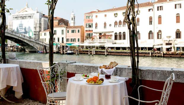 Soggiorno in un hotel esclusivo sul Canal Grande