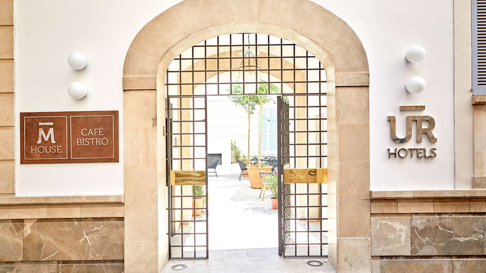 M HOUSE Hotel - EDIT_NEW_ENTRANCE.jpg