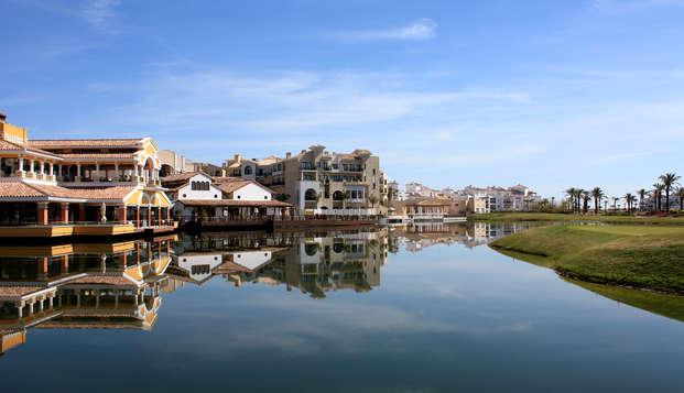 Escapada relajante frente al lago en un Resort 5* en La Manga del Mar Menor, Murcia