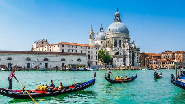 Encanto y elegancia entre los canales de Venecia