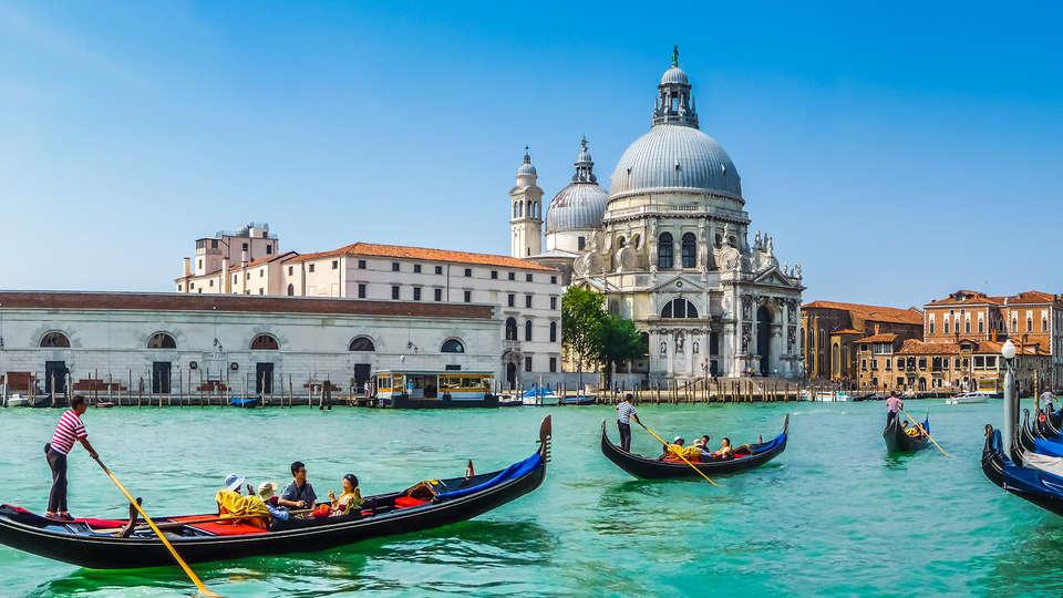 Ai Due Fanali - Edit_Venice2.jpg