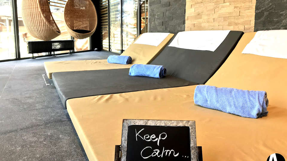 Alpina Eclectic Hotel Chamonix  - Edit_Relax.jpg