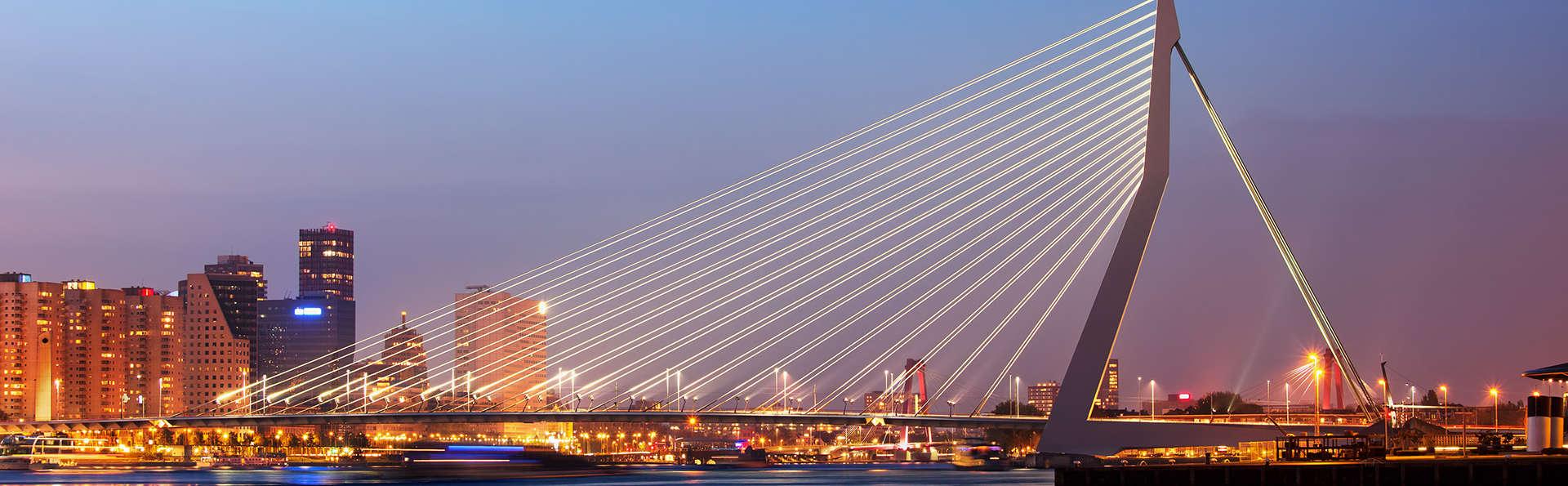 Nuit au bord de la Meuse aux Pays-Bas : Rotterdam!