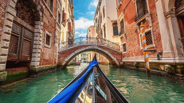 Alójate en Venecia, cerca del Gran Canal, en un elegante hotel