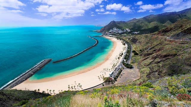 Especial Tenerife: La playa de Los Cristianos en media pensión y con un niño gratis
