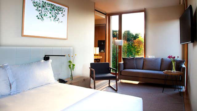Lujo en habitación superior en este prestigioso hotel de San Sebastian
