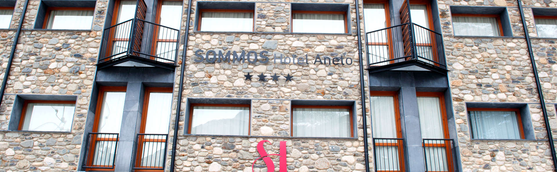 SOMMOS Hotel Aneto - EDIT_NEW_FRONT.jpg