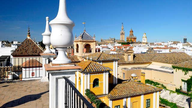 Escapada a Sevilla: Historia entre patios típicos en pleno centro