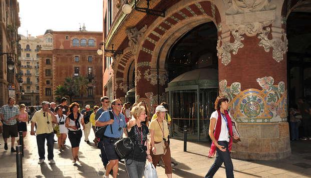 Escapada a Barcelona con la actividad de Walking tours incluida para descubrirla más