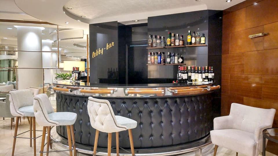 Hotel Gran Vía - EDIT_NEW2_bar.jpg