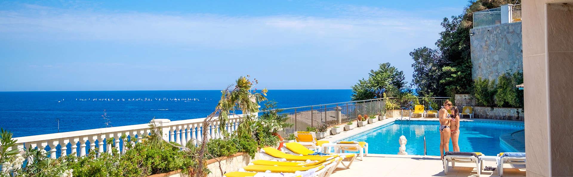 Vacanze perfette: mezza pensione, cocktail e altro sulla Costa Brava