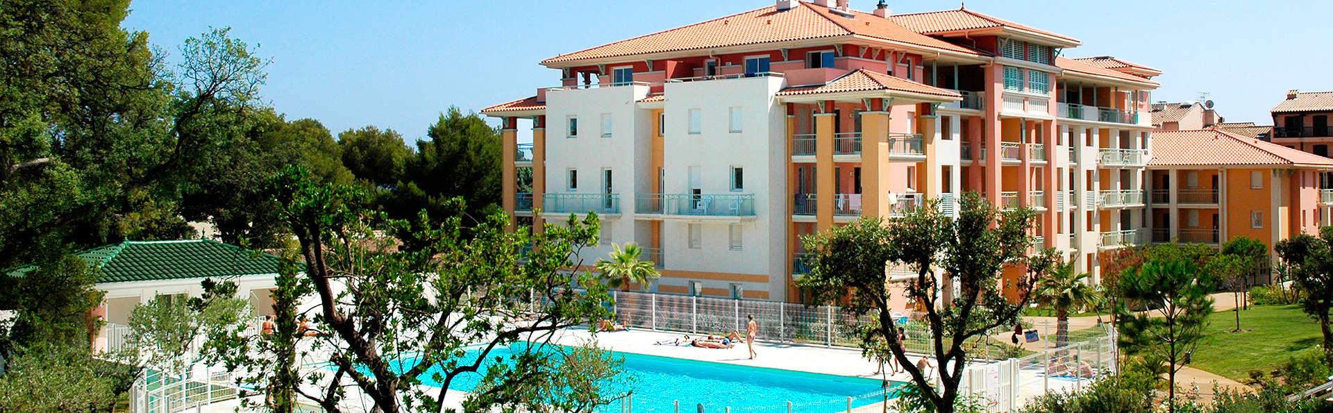 Coralia By Vacancéole Résidence Les Calanques du Parc - Edit_Pool2.jpg