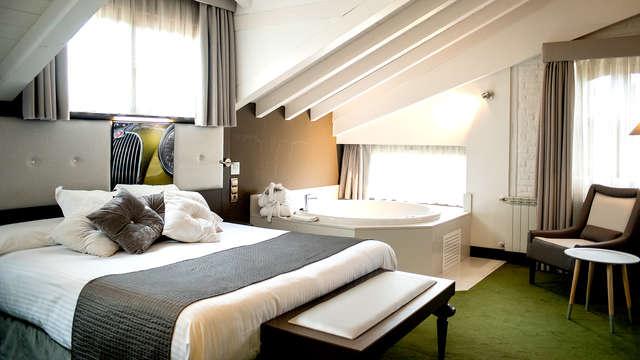 Escapada en un hotel de diseño de Suances con jacuzzi en la habitación