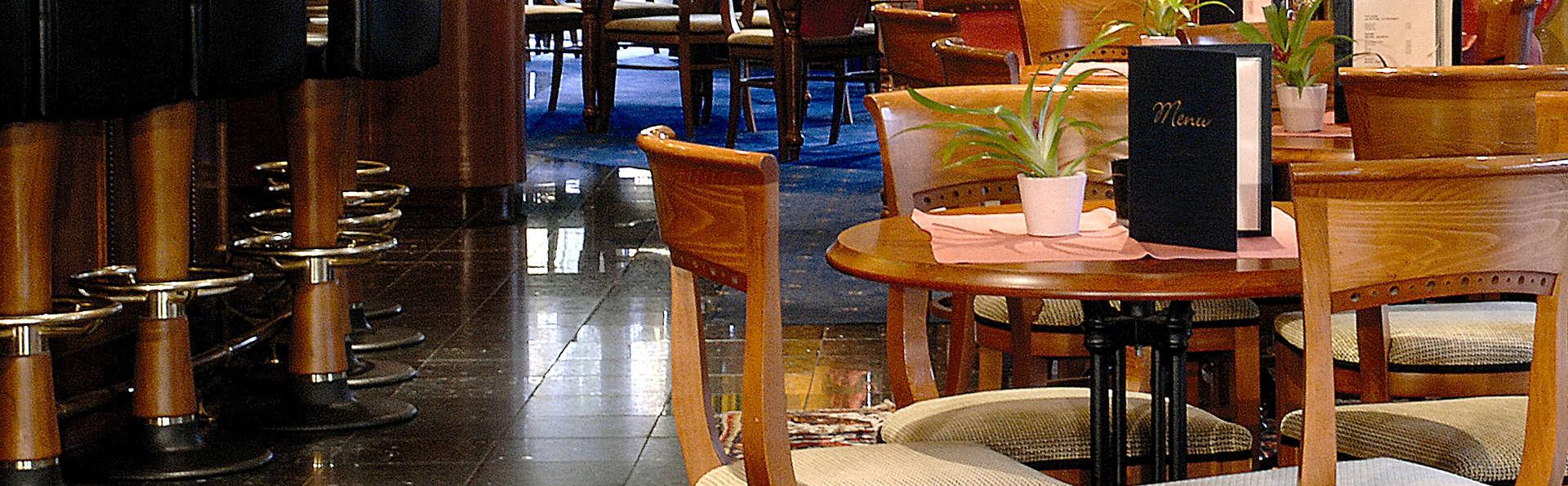 Thon Hotel Brussels Airport - Edit_Bar.jpg