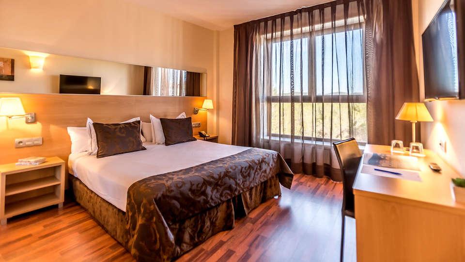 Hotel Desitges - EDIT_NEW_SUPERIOR.jpg