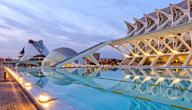 Escápate a Valencia en un hotel moderno con entradas al Oceanográfic incluidas