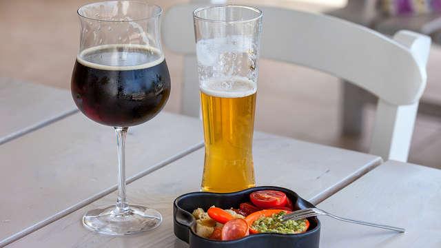 Botella de vino o cervezas gratuitas para 2 adultos