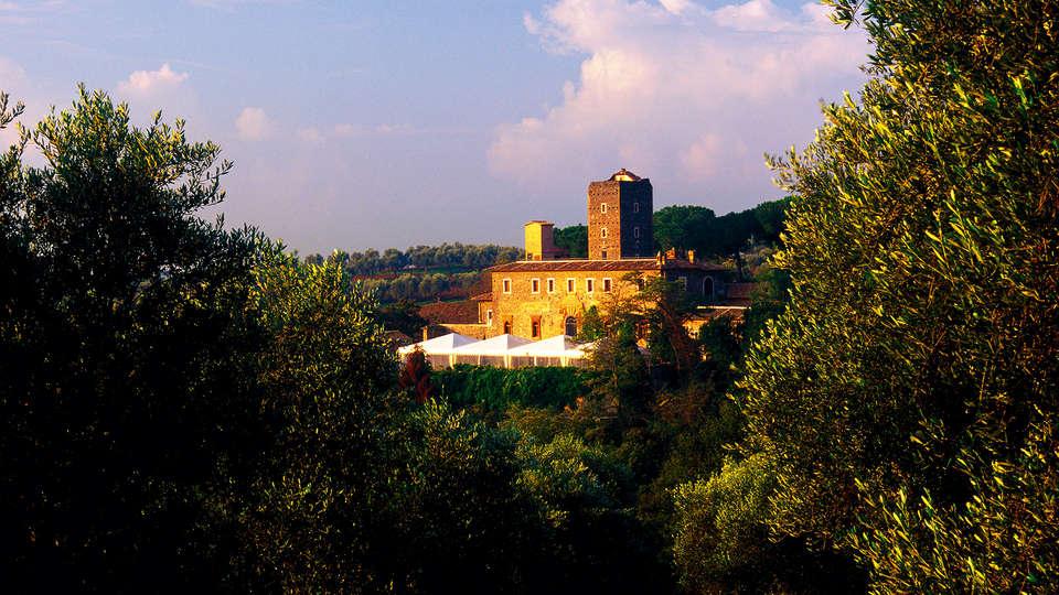 Castello della Castelluccia - Edit_Front3.jpg