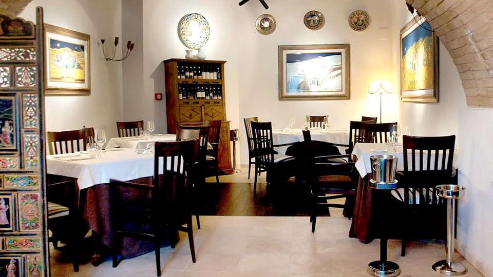 La Bastiglia - Edit_Restaurant2.jpg