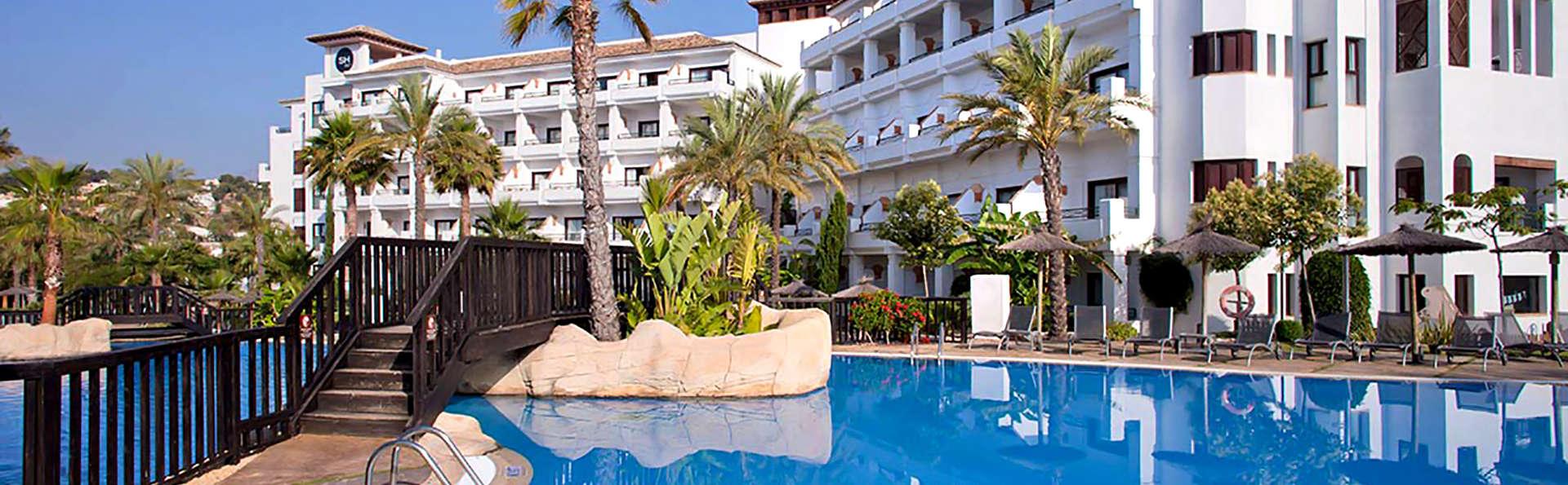 SH Villa Gadea  - Edit_Pool3.jpg